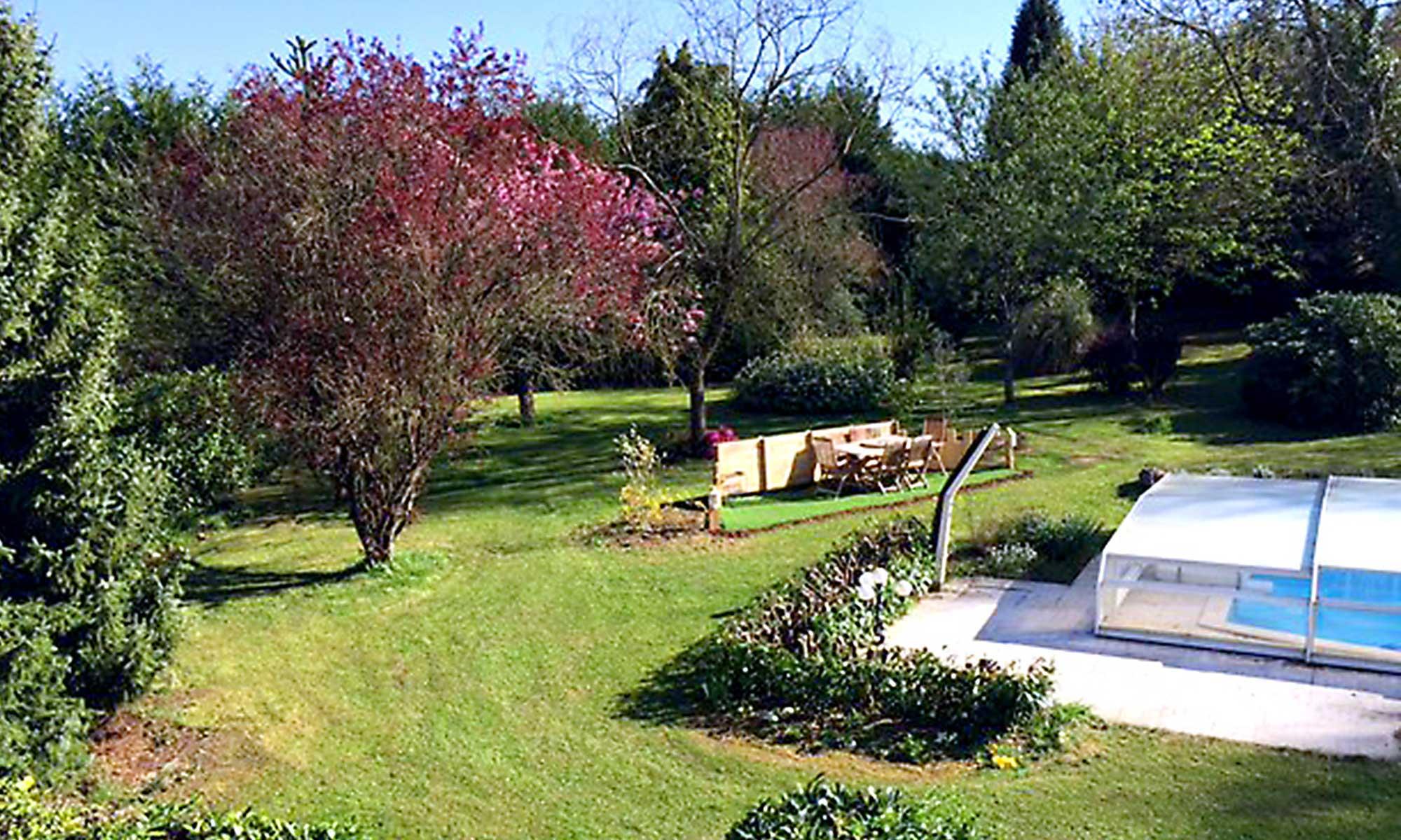 no16normandy-pool-view-garden
